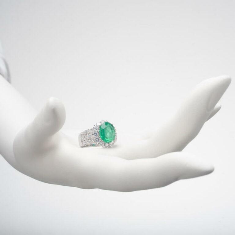 Anello fascia Argento Smeraldo