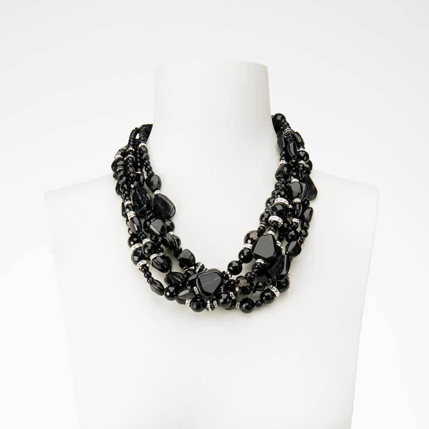 design di qualità 19e0d b103d Collana girocollo nero