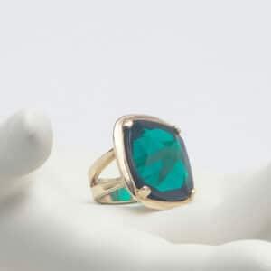 anello cristallo sfaccettato verde