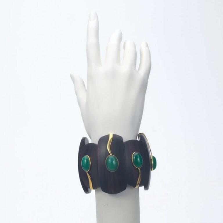 bracciale rigido legno giada