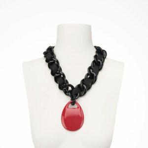 collana girocollo resina nera ciondolo rosso