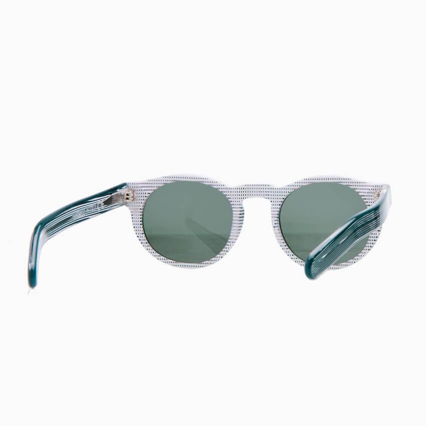 check-out c4da5 d5949 Occhiali da sole Pagani modello YOUNG colore quadretti verdi e bianchi