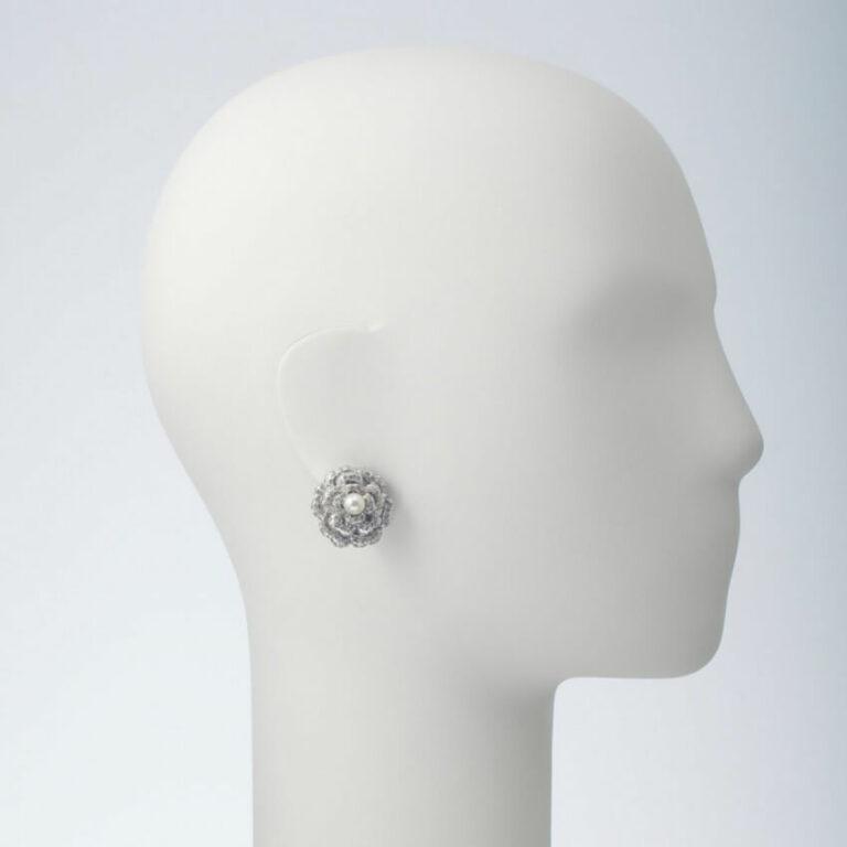orecchino clip cristalli perla fiore