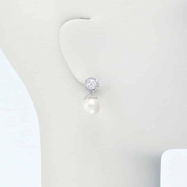 orecchino clip pendente zirconi perla conchiglia
