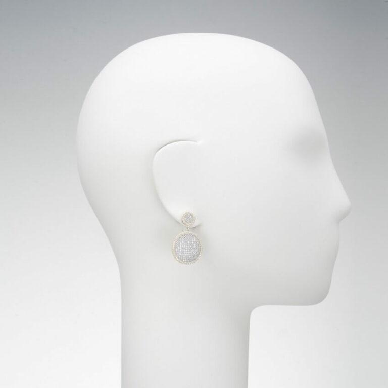 orecchino pendente perno pave zirconi