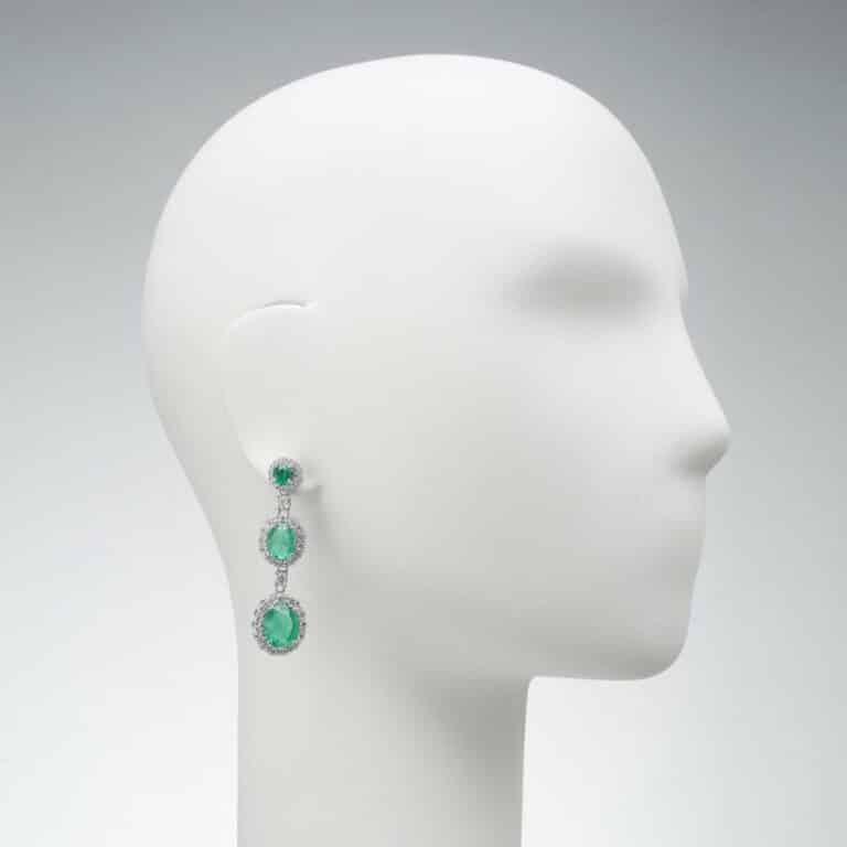 orecchino pendente perno zirconi verdi