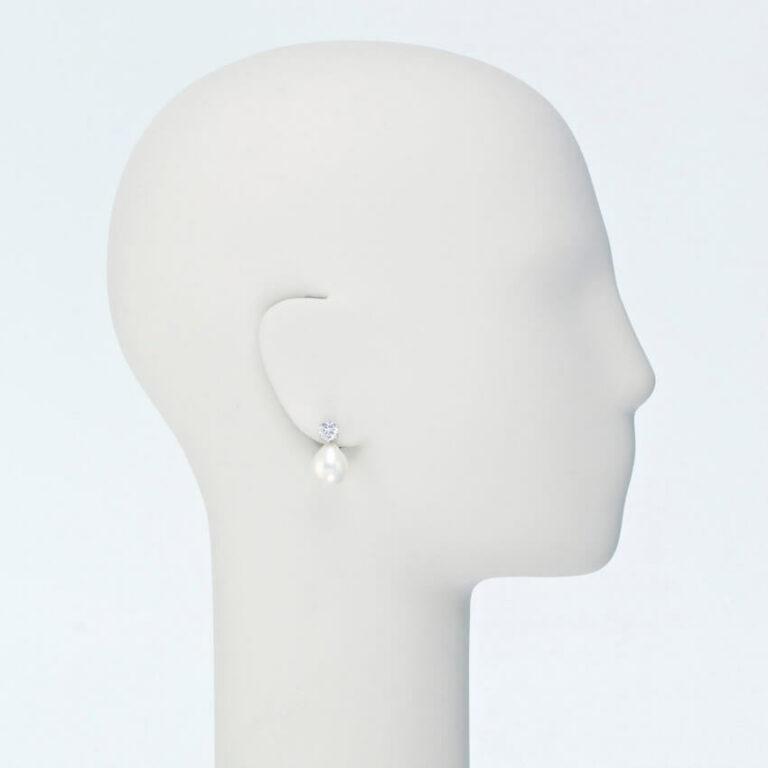 orecchino pendente zirconi perla conchiglia