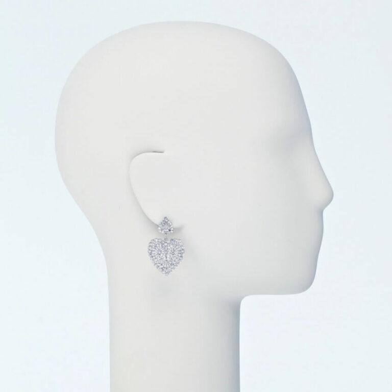 orecchino perno cuore strass
