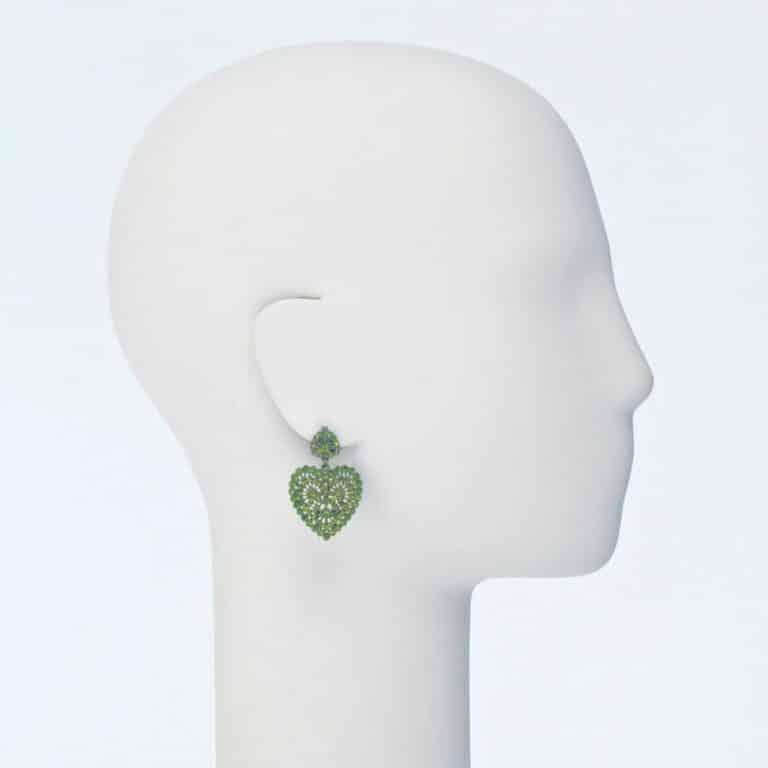 orecchino perno cuore strass verde