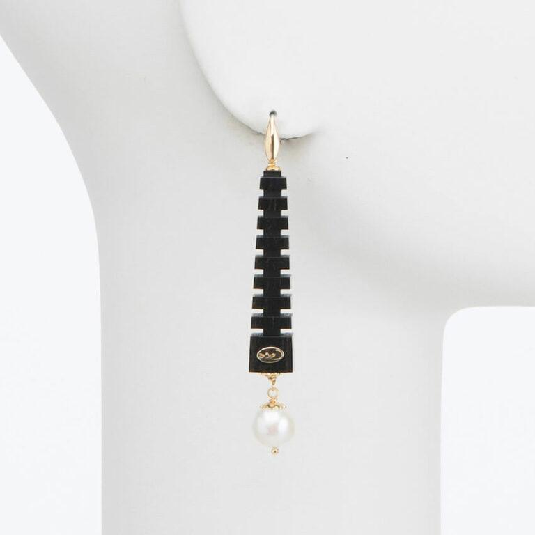 orecchino perno ebano perla oro