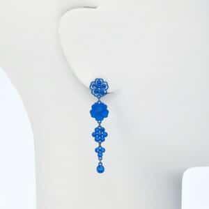 orecchino perno pendente fiori blu
