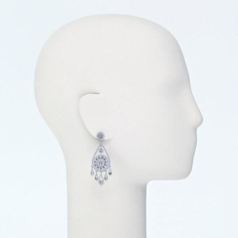 orecchino perno ricamo cristalli argento