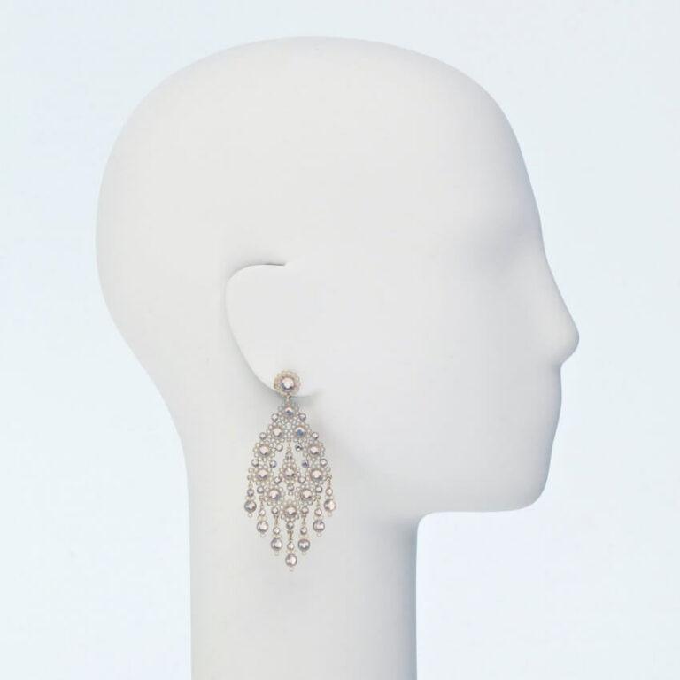 orecchino perno ricamo cristalli oro