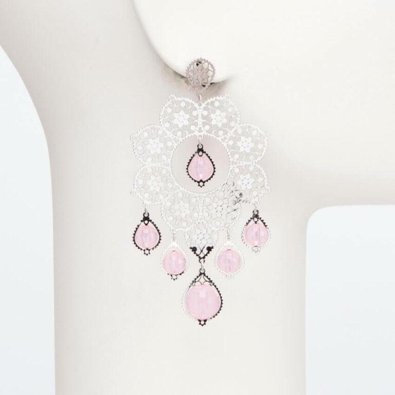 orecchino perno ricamo metallo resine rosa