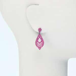 orecchino perno ricamo metallo strass rosa