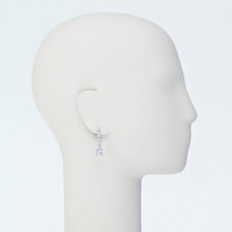 orecchino perno zirconi bianchi