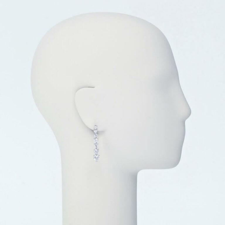 orecchino perno zirconi bianchi taglio cuore