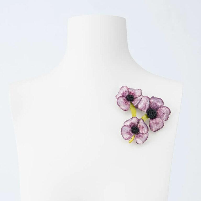 spilla fiori viola