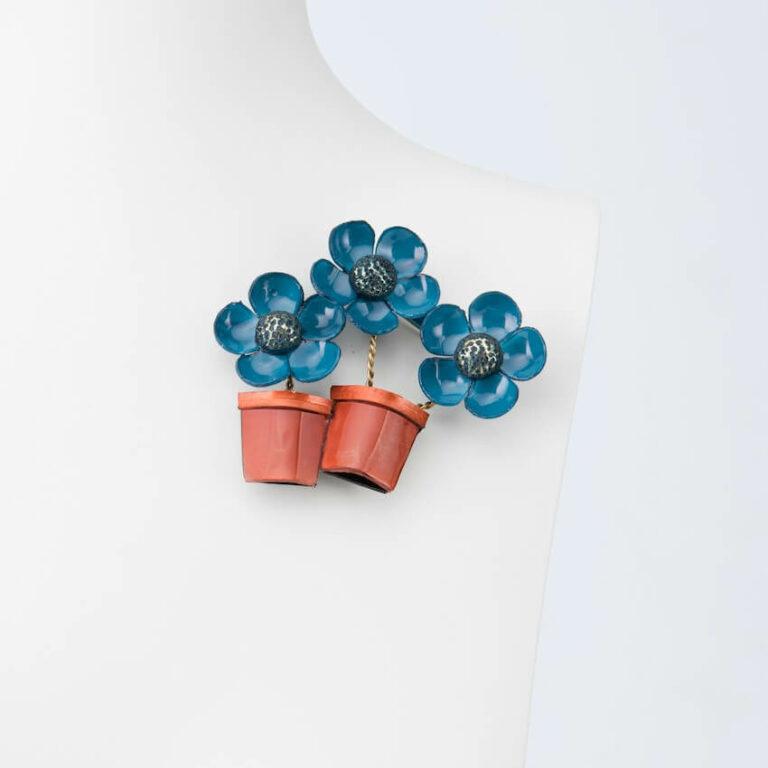spilla vaso fiori blu arancione