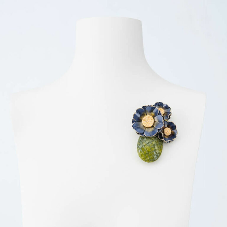 spilla vaso fiori verde blu