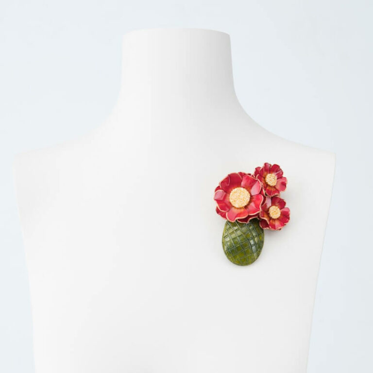 spilla vaso fiori verde rosso