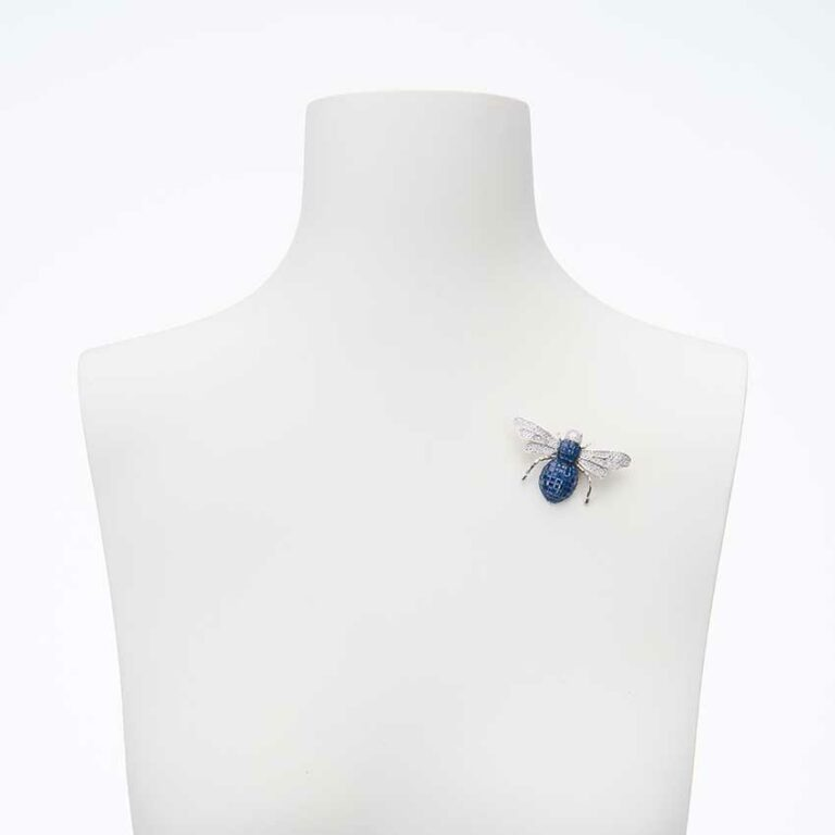 Spilla Ape in argento e zirconi blu zaffiro