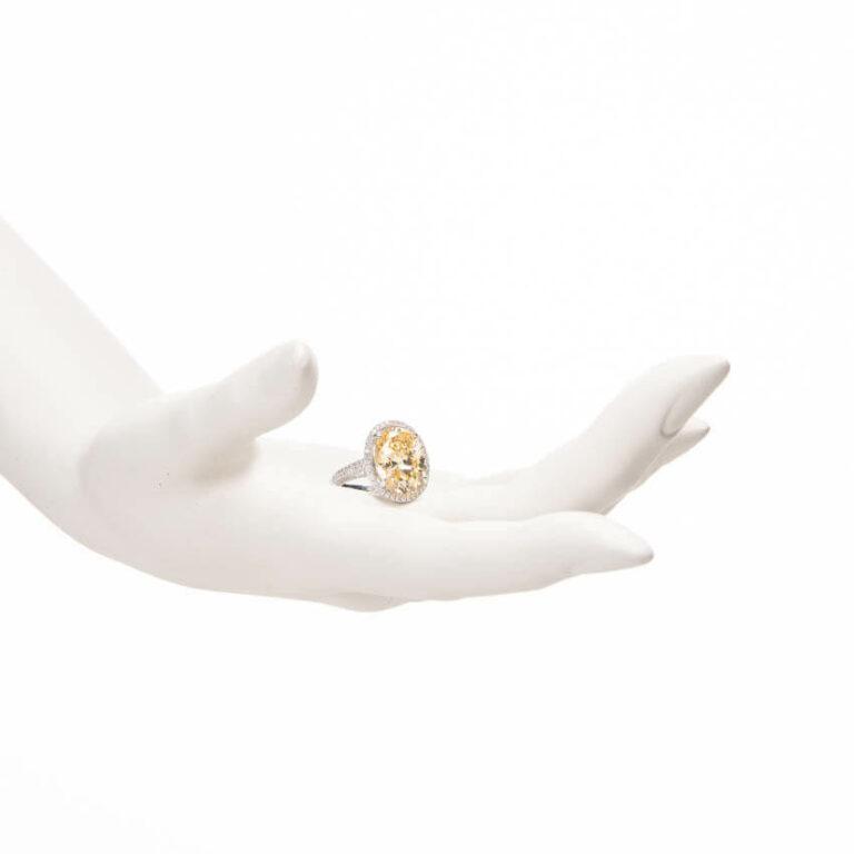 anello solitario canary ovale