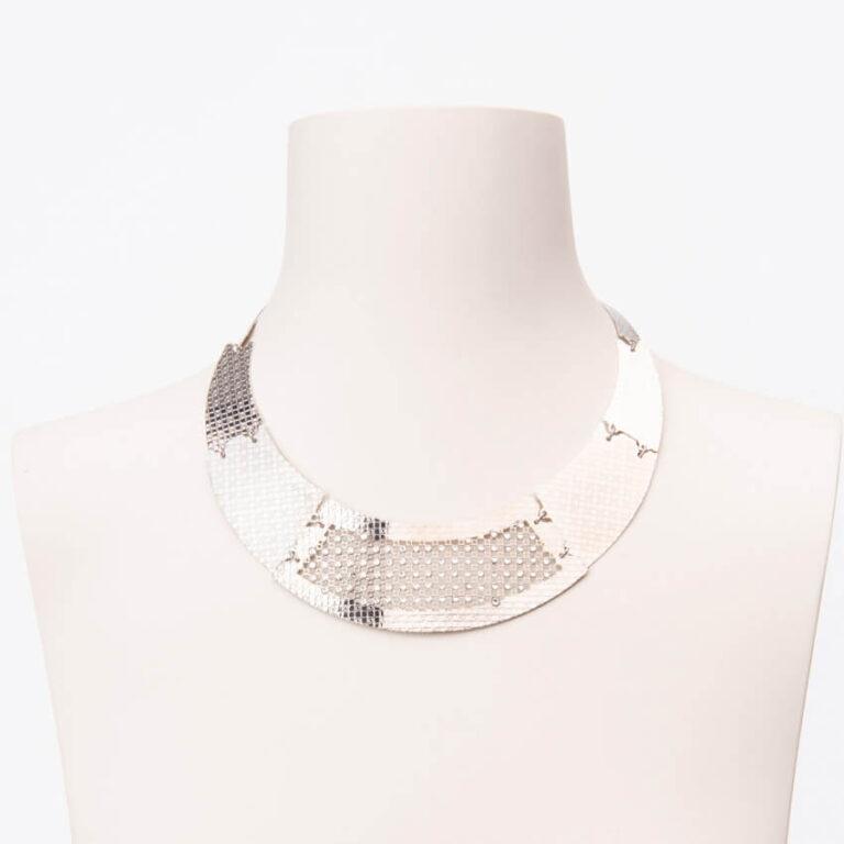 Collana girocollo semirigida colore argento e crystal