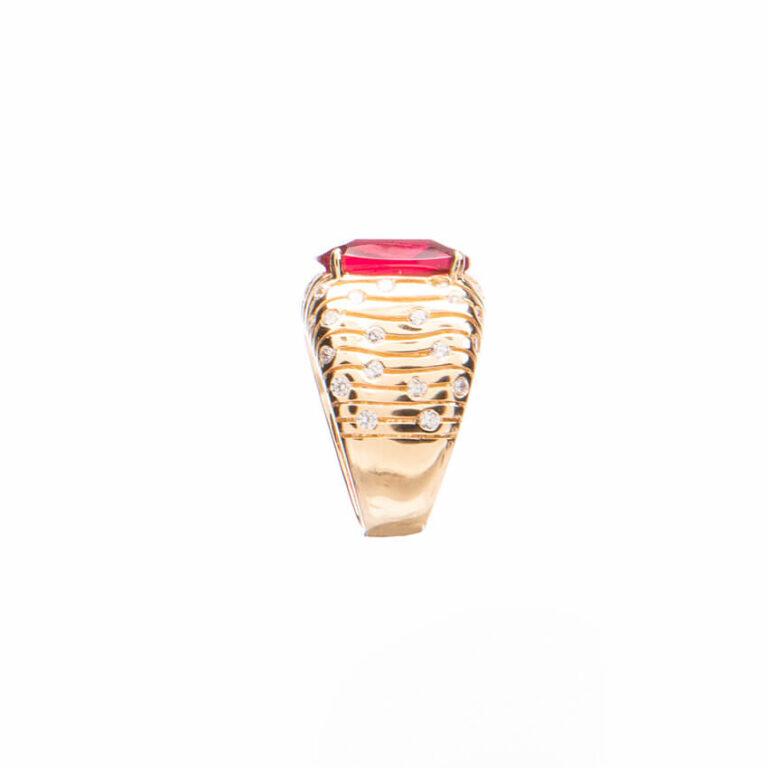 Anello fascia con pietra centrale color rubino 3