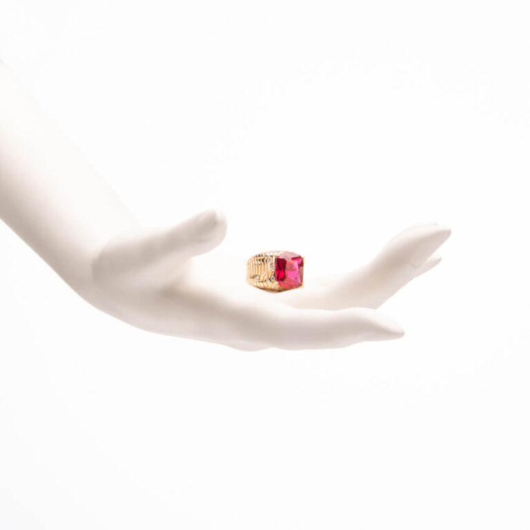 Anello fascia con pietra centrale color rubino 2