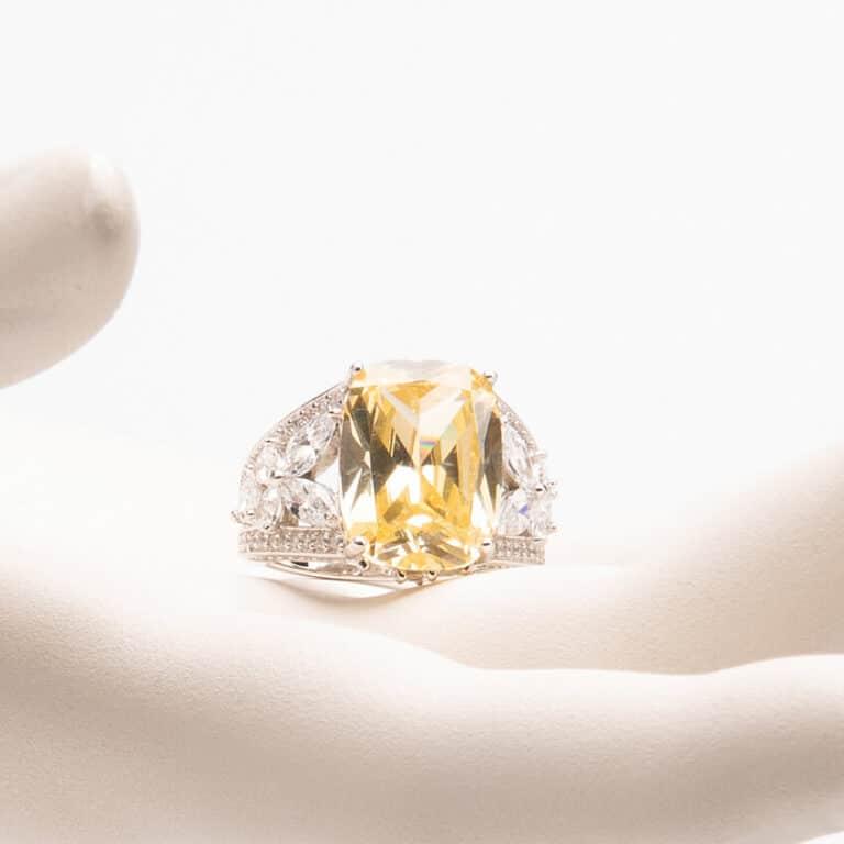 Anello pietra giallo canary zirconi marquise 1