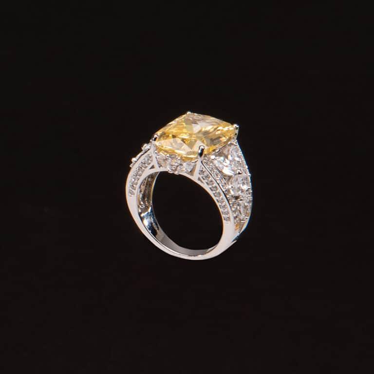 Anello pietra giallo canary zirconi marquise 4