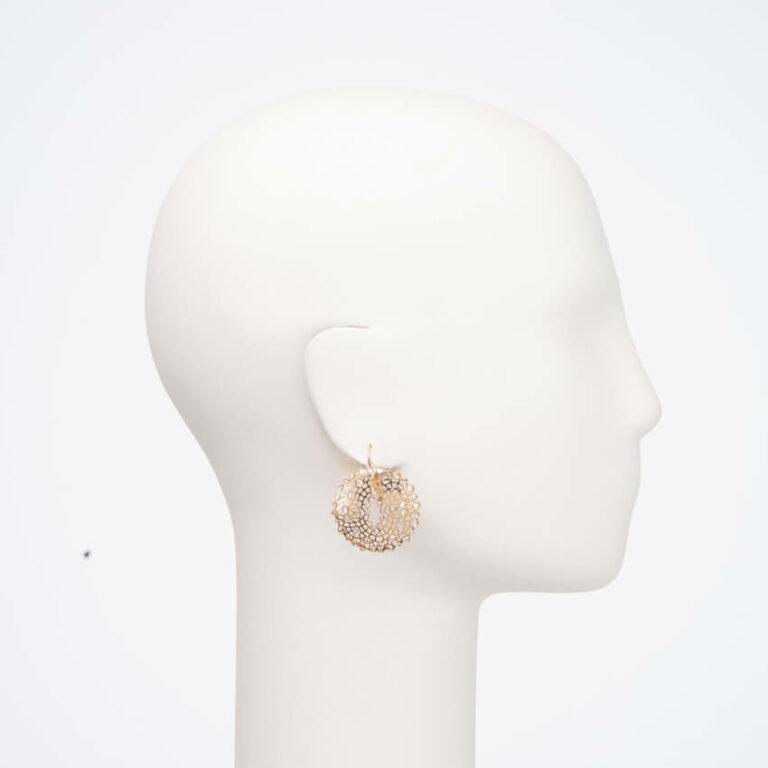 Orecchino monachella ricamo oro cristalli