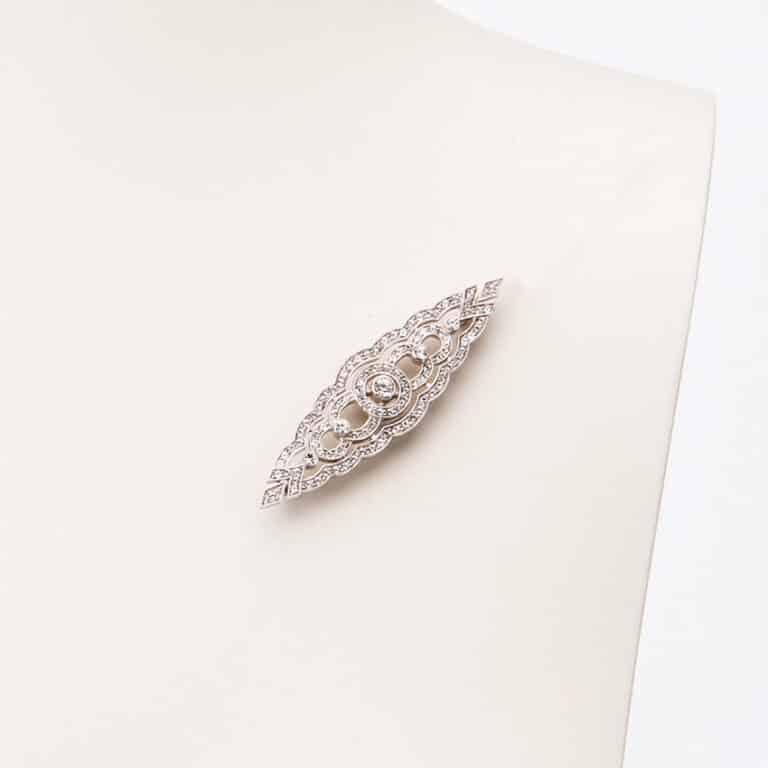 Spilla classica di ispirazione deco argento zirconi 3