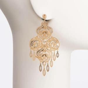 Orecchino chandelier arabesco colore oro 1