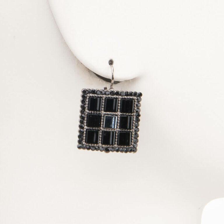 Orecchino monachella geometria quadrata cristalli neri 1