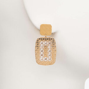 Orecchino perno elemento geometrico traforato oro 1