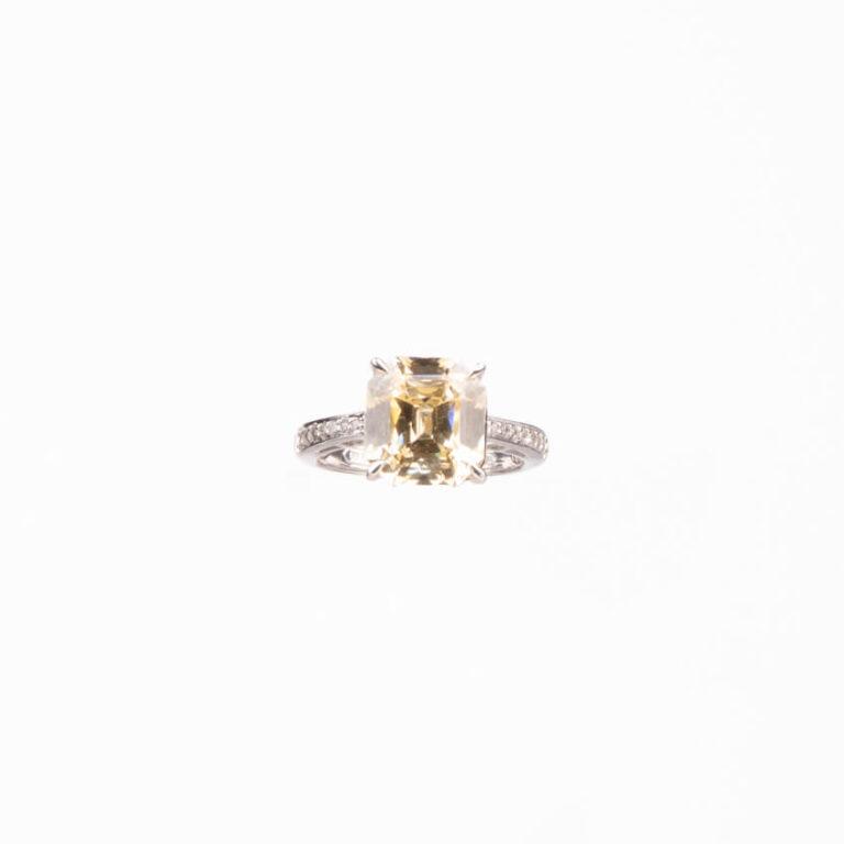 Anello modello solitario pietra centrale giallo canary 3