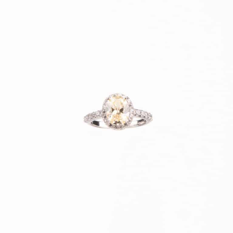 Anello pietra centrale taglio ovale giallo canary 3