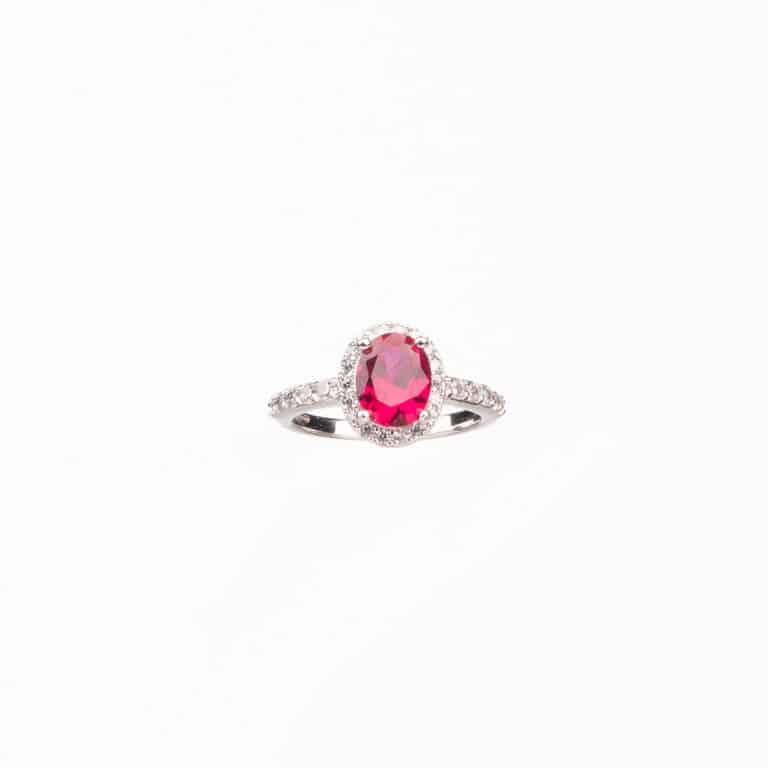 Anello pietra centrale taglio ovale rosso rubino 3