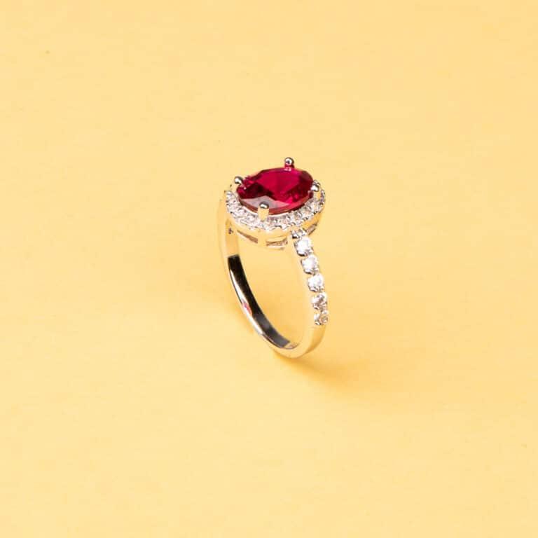 Anello pietra centrale taglio ovale rosso rubino 6