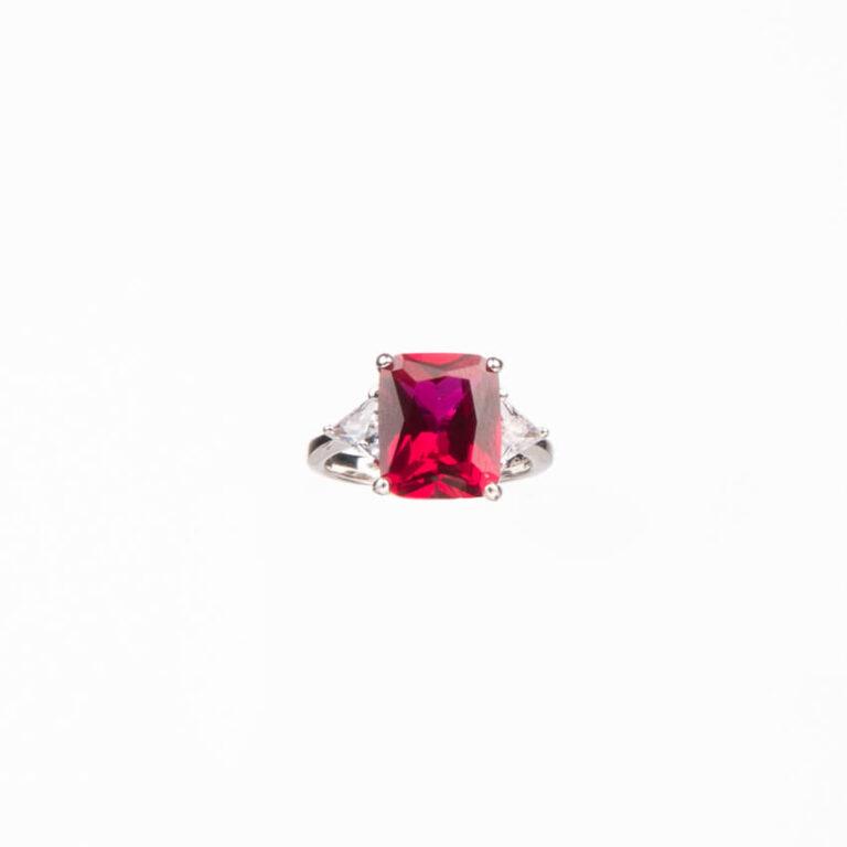 Anello pietra centrale taglio rettangolare rosso rubino 3