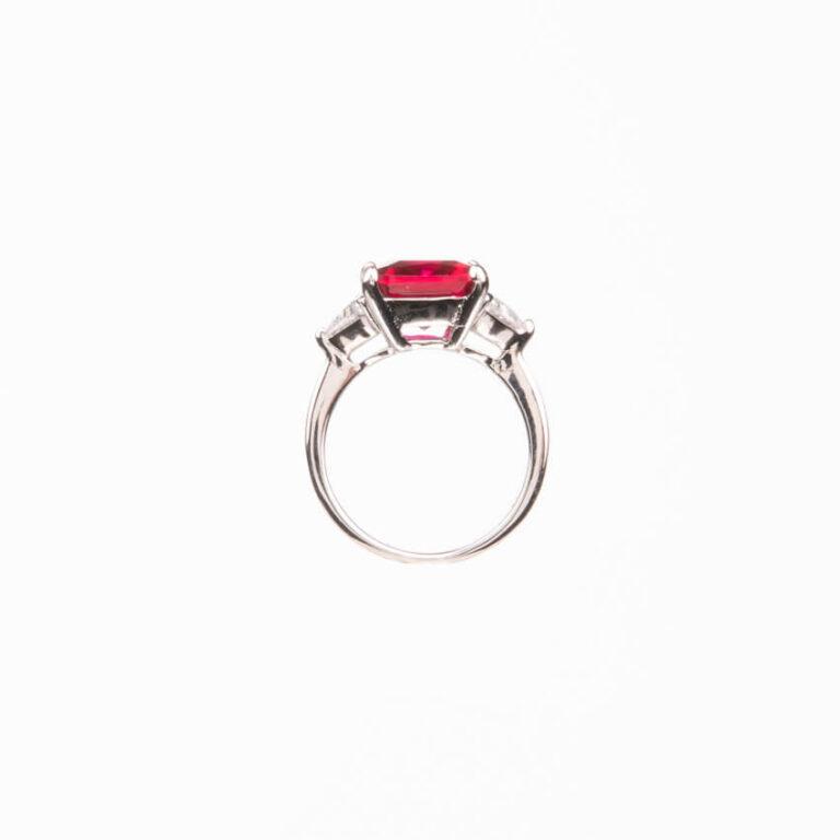 Anello pietra centrale taglio rettangolare rosso rubino 4
