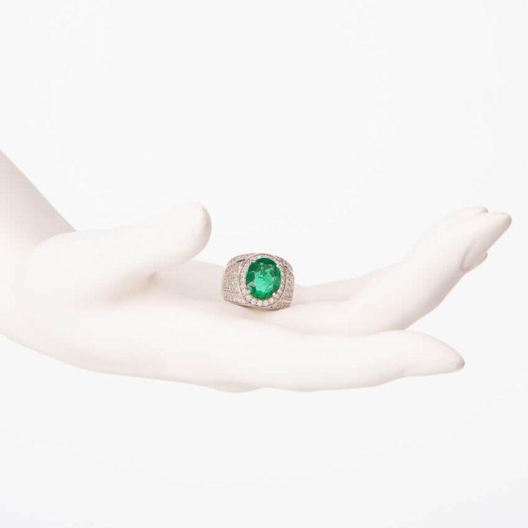 Anello fascia pietra centrale verde smeraldo taglio ovale 2