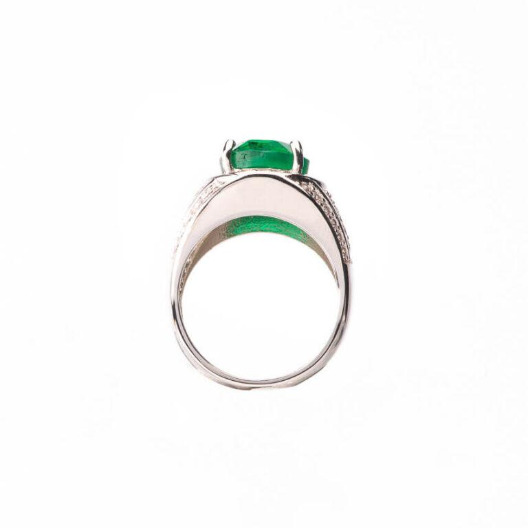 Anello fascia pietra centrale verde smeraldo taglio ovale 4