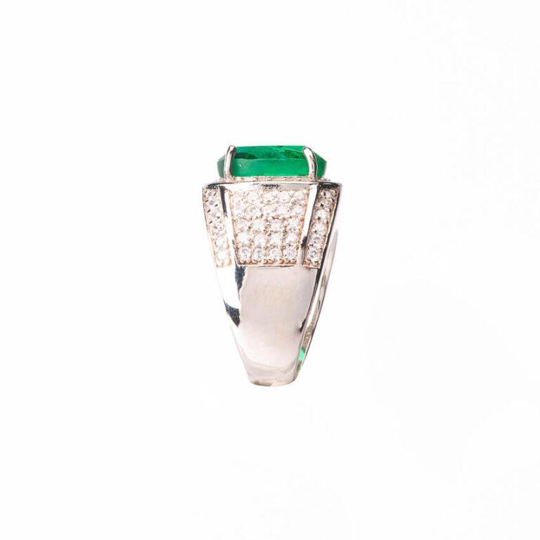 Anello fascia pietra centrale verde smeraldo taglio ovale 5