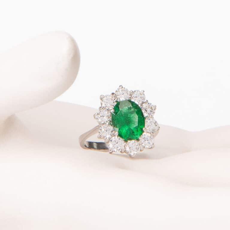 Anello fidanzamento verde smeraldo corona zirconi