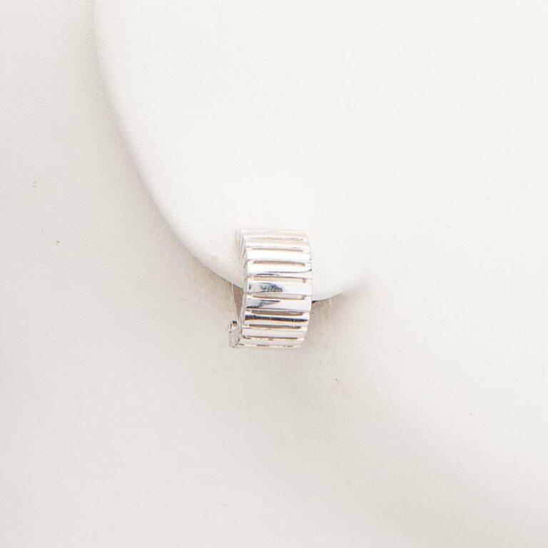 Orecchini clip mezzo cerchio argento rigato 1