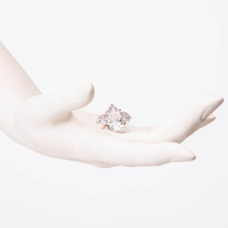 Anello solitario pietra goccia mezza luna oro rosa