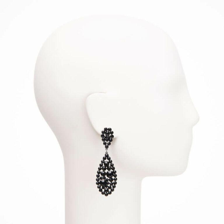 Orecchini pendenti perno cristalli neri splendenti 2